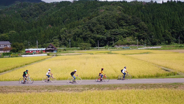 風を感じるサイクリングツアー