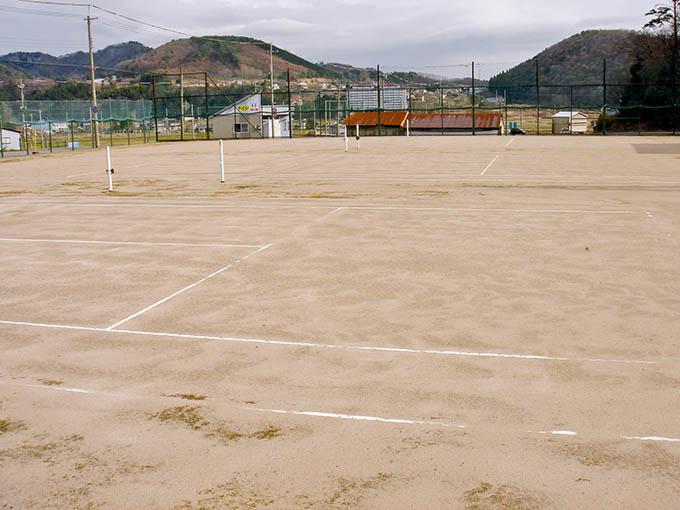 奥神鍋荘テニスコート